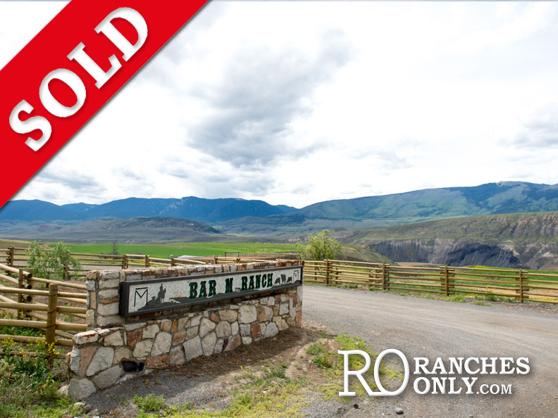 Bar M Ranch >Hwy#97C, Ashcroft | 573 Acres | 4 Residences | 550 head cow/calf operation+1000 head feedlot | Gravity fed water| Development potential